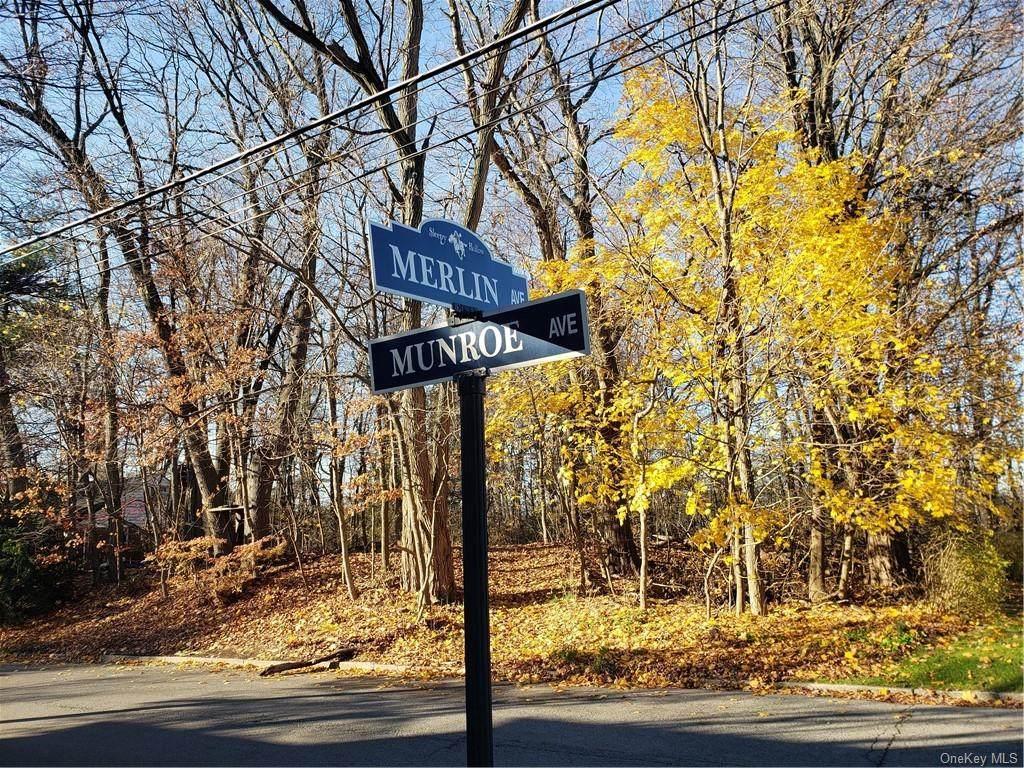 467 1/2 Munroe Avenue - Photo 1