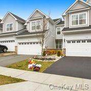 147 Meadow View, Middletown, NY 10940 (MLS #H6085558) :: William Raveis Baer & McIntosh