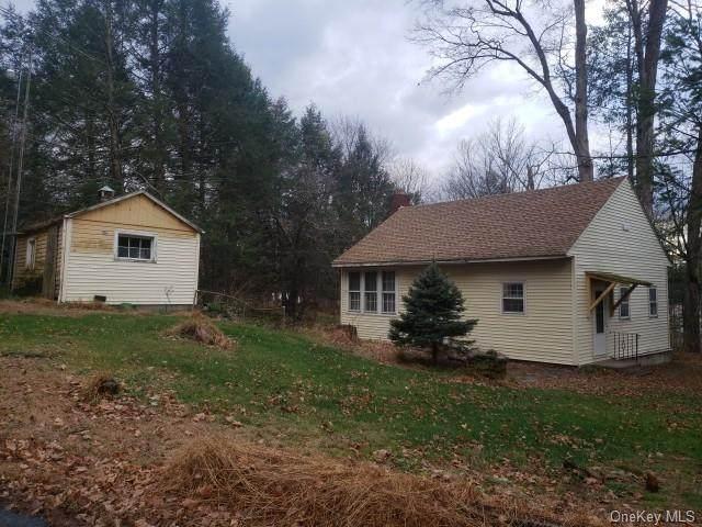 8 Clapp Hill Road, Lagrangeville, NY 12540 (MLS #H6085751) :: William Raveis Baer & McIntosh