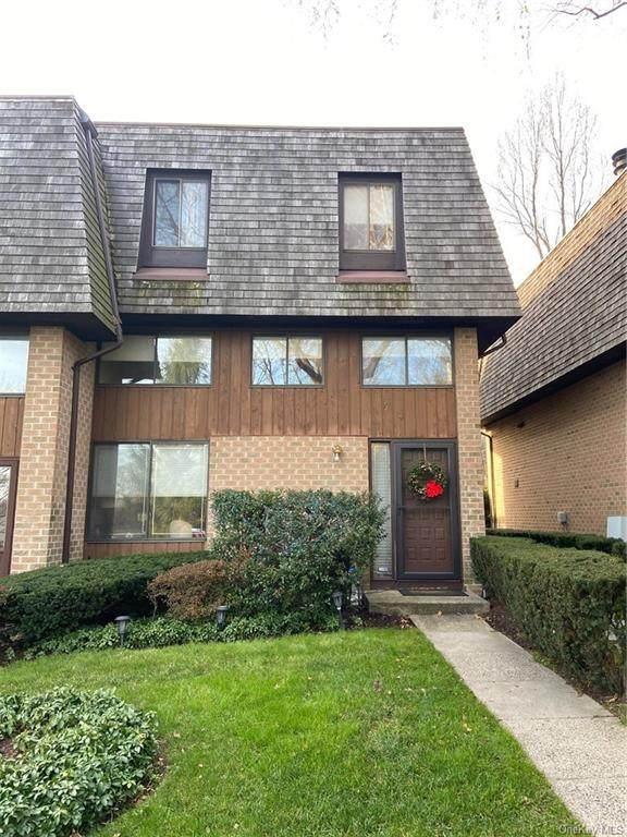32 The Hamlet, Pelham, NY 10803 (MLS #H6088072) :: Mark Seiden Real Estate Team