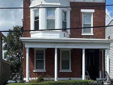 33 Robinson Avenue - Photo 1