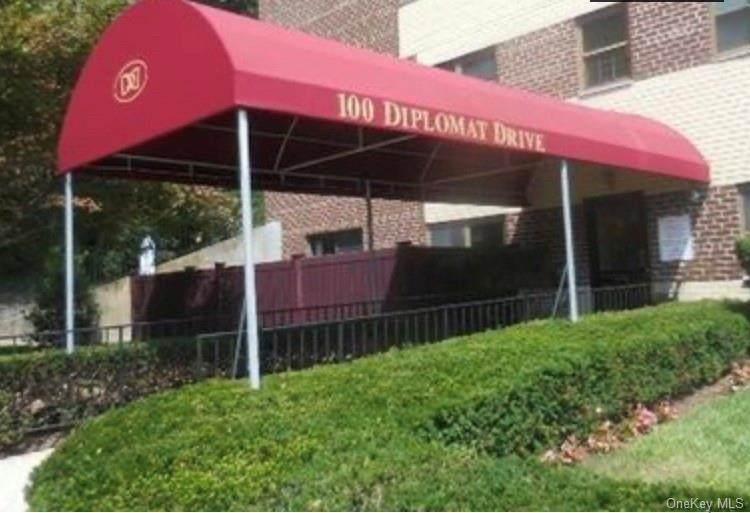 100 Diplomat Drive - Photo 1