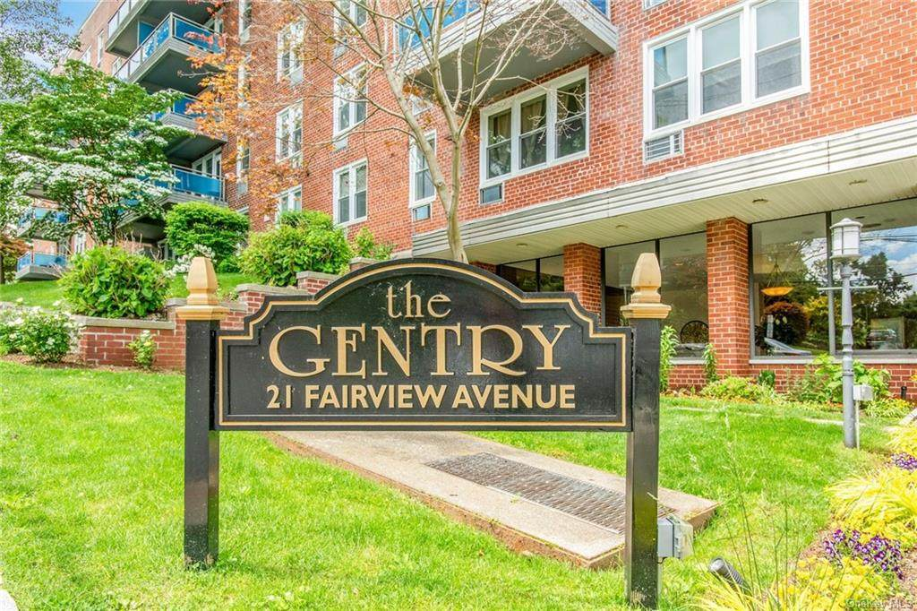 21 Fairview Avenue - Photo 1