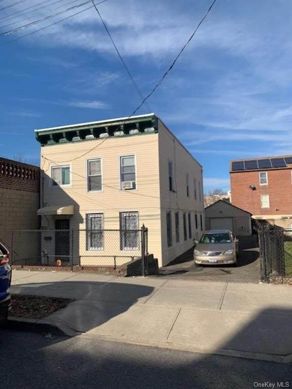 985 Duncan Street - Photo 1