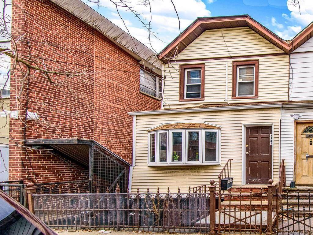 3121 Corlear Avenue - Photo 1