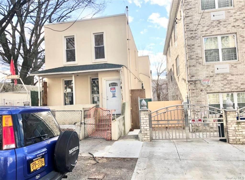 1619 Melville Street - Photo 1
