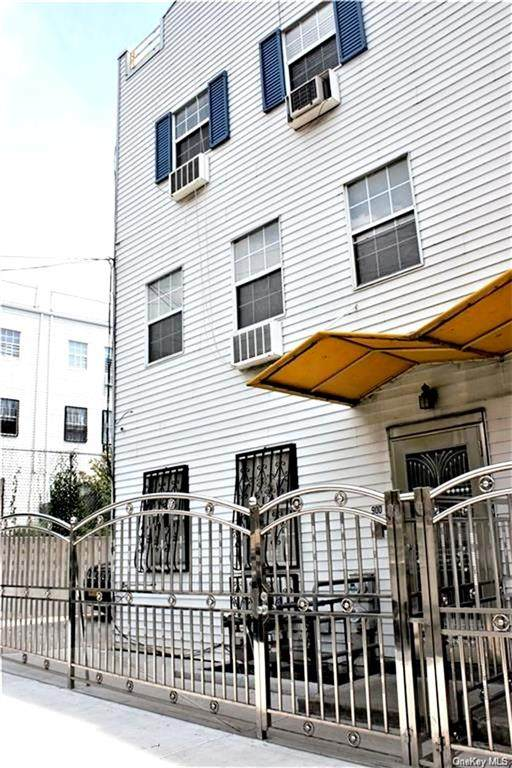 900 Home Street, Bronx, NY 10459 (MLS #H6091527) :: Cronin & Company Real Estate