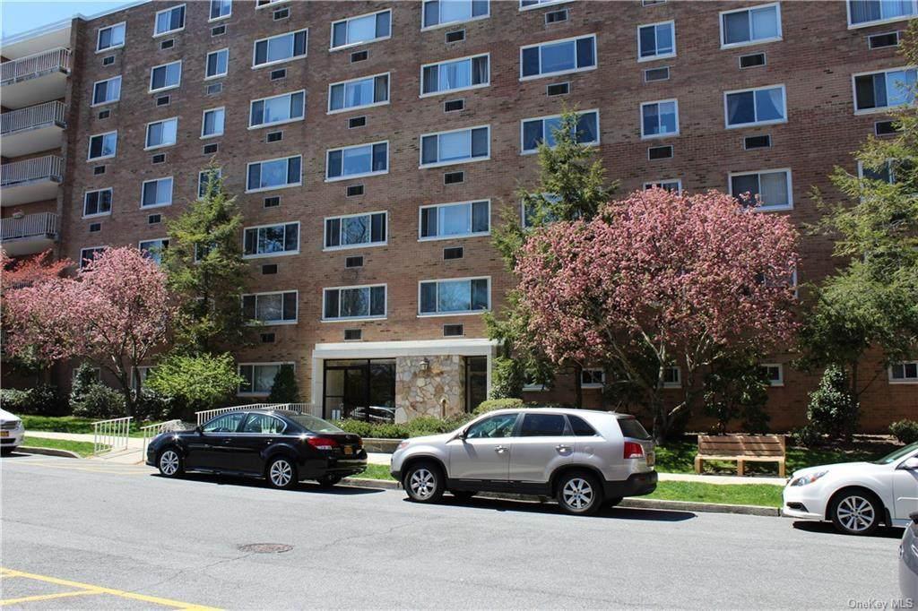 414 Benedict Avenue - Photo 1