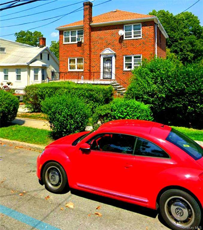 1204 Crosby Avenue - Photo 1