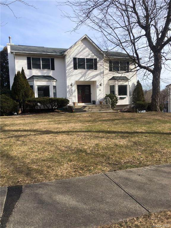 6 Carriage Lane, Nanuet, NY 10954 (MLS #H6092709) :: Nicole Burke, MBA | Charles Rutenberg Realty