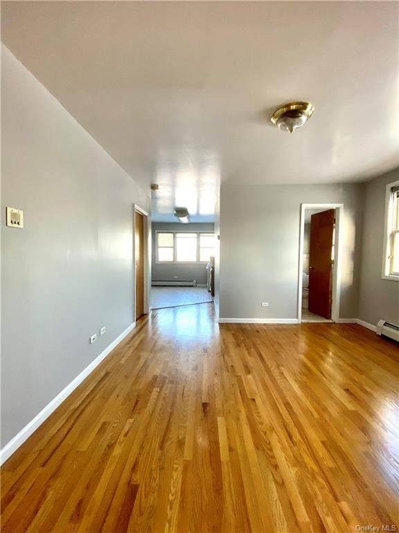 832 Clarence Avenue - Photo 1