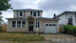 7 E Clearwater Road, Lindenhurst, NY 11757 (MLS #H6098047) :: McAteer & Will Estates | Keller Williams Real Estate