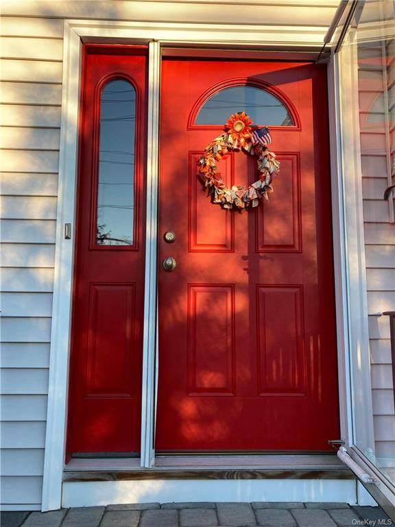63 W Carroll Street, Pearl River, NY 10965 (MLS #H6098339) :: Mark Boyland Real Estate Team