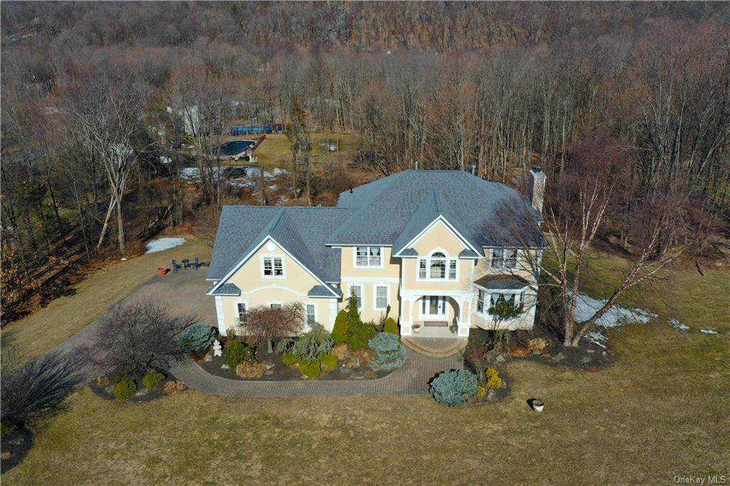 7 Country Woods Drive - Photo 1