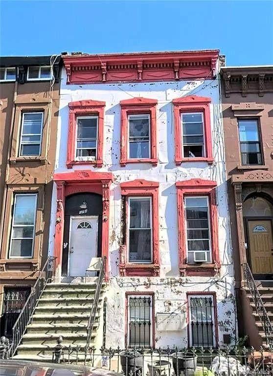 174 Hart Street - Photo 1