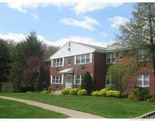 233 N Middletown Road F, Pearl River, NY 10965 (MLS #H6104170) :: Corcoran Baer & McIntosh