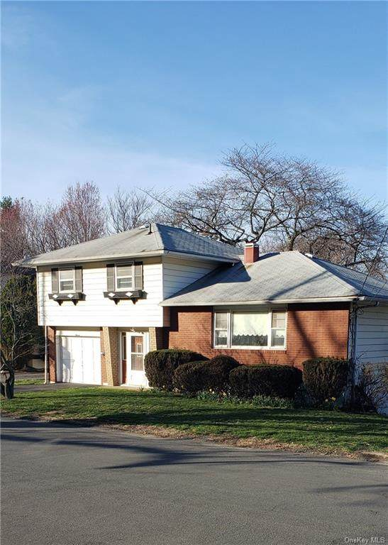 11 Hillside Avenue, Haverstraw, NY 10927 (MLS #H6108187) :: Howard Hanna Rand Realty
