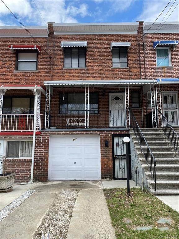 942 E 224 Street, Bronx, NY 10466 (MLS #H6108708) :: Shalini Schetty Team