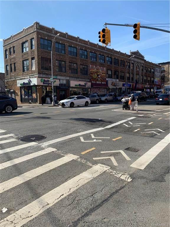 250 Willis Avenue - Photo 1