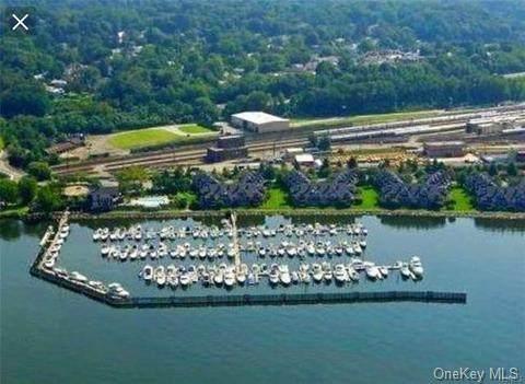 B-8 Half Moon Bay B-8, Croton-On-Hudson, NY 10520 (MLS #H6110364) :: Signature Premier Properties