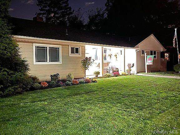 239 Clark Boulevard, Massapequa Park, NY 11762 (MLS #H6111789) :: Signature Premier Properties