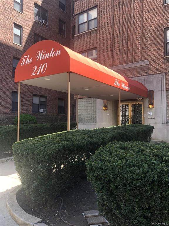 210 Martine Avenue - Photo 1