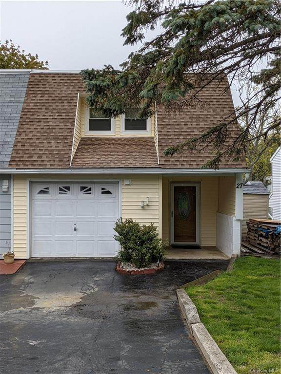 27 Russett Road, Poughkeepsie, NY 12601 (MLS #H6114255) :: Mark Boyland Real Estate Team