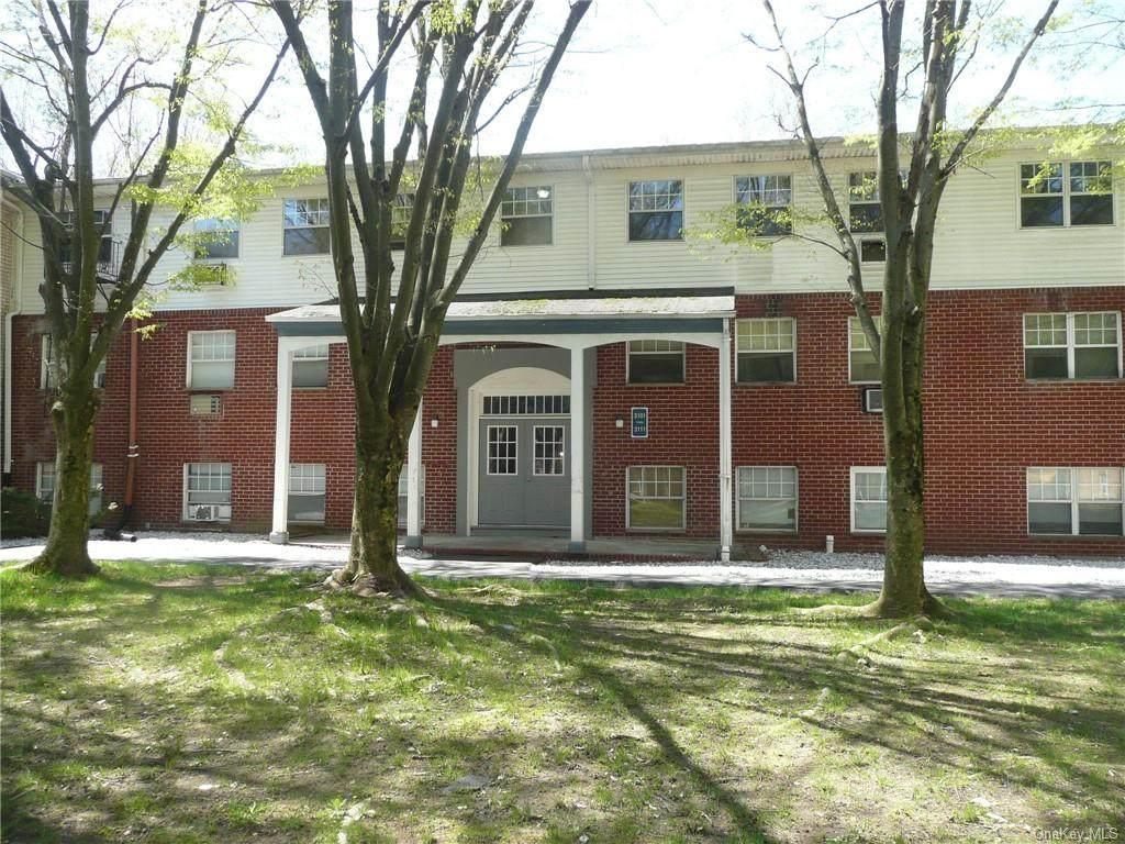 3111 Barclay Manor - Photo 1