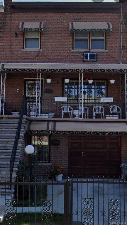 4106 Barnes Avenue, Bronx, NY 10466 (MLS #H6115671) :: Mark Boyland Real Estate Team