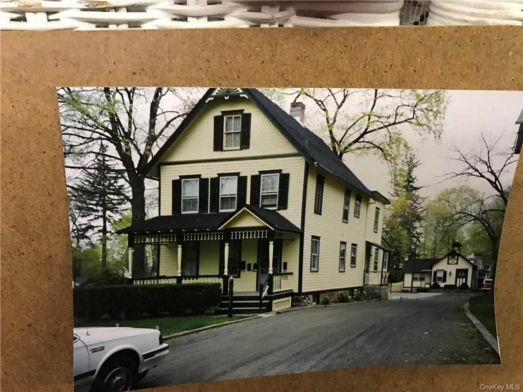 63 Moore Avenue - Photo 1
