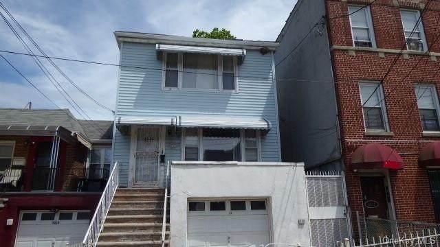 3014 Bronxwood Avenue, Bronx, NY 10469 (MLS #H6117453) :: Shalini Schetty Team