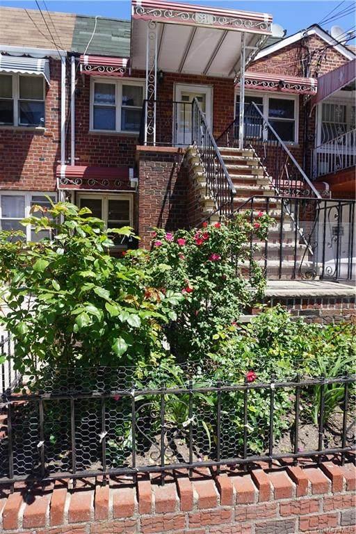 931 E 100th Street, Canarsie, NY 11236 (MLS #H6117553) :: Carollo Real Estate