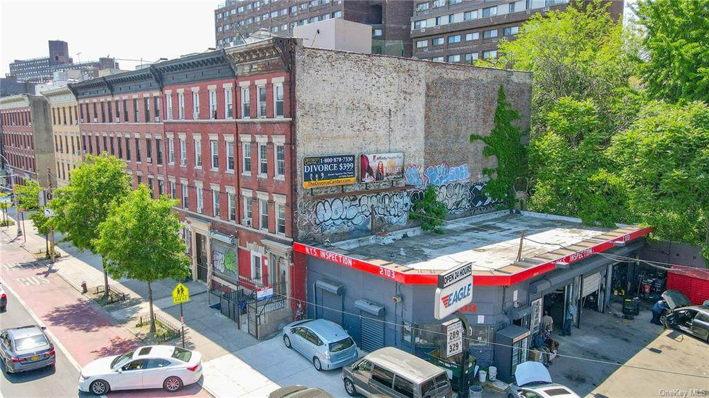 2101 Webster Avenue - Photo 1