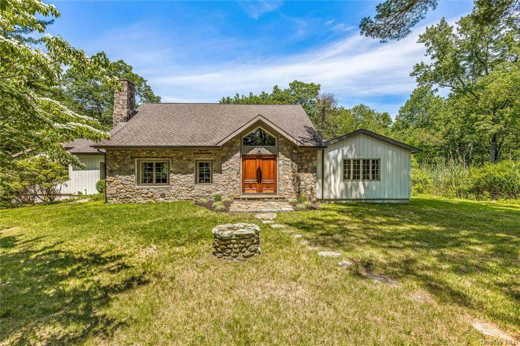 84 Old Mill River Road - Photo 1