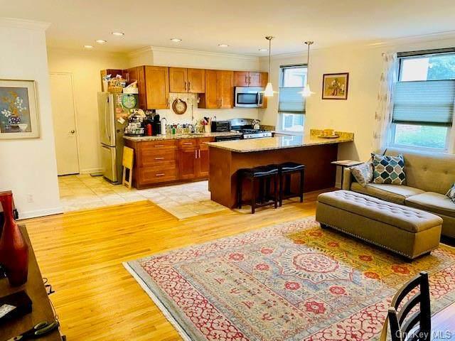 15 Bryant Crescent Crescent 1 ij, White Plains, NY 10605 (MLS #H6124741) :: Howard Hanna | Rand Realty