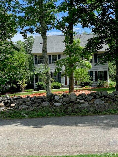 191 Van Keuren Avenue, Pine Bush, NY 12566 (MLS #H6124881) :: Corcoran Baer & McIntosh