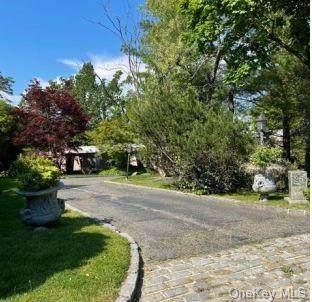 25 Split Rock Drive, Great Neck, NY 11024 (MLS #H6125473) :: Carollo Real Estate