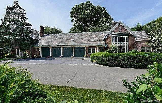 35 Fort Hill Drive, Lloyd Harbor, NY 11743 (MLS #H6126511) :: Cronin & Company Real Estate