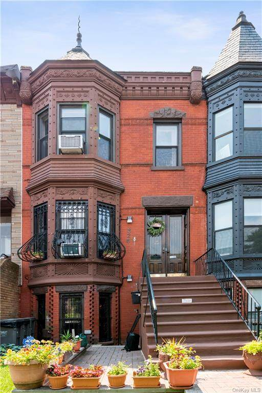 828 Jefferson Avenue, Bed-Stuy, NY 11221 (MLS #H6129190) :: Frank Schiavone with Douglas Elliman