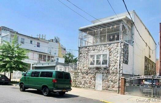 655-659 Taylor Avenue, Bronx, NY 10473 (MLS #H6130346) :: Team Pagano
