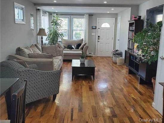 117-22 203 Street, St. Albans, NY 11412 (MLS #H6134275) :: Kendall Group Real Estate | Keller Williams