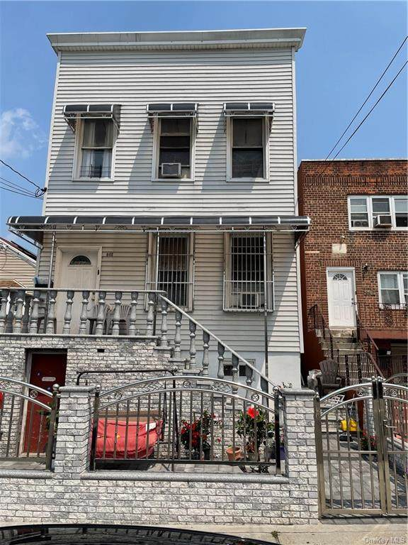 862 Olmstead Avenue, Bronx, NY 10473 (MLS #H6134624) :: Team Pagano