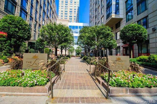 10 City Place 9B, White Plains, NY 10601 (MLS #H6138344) :: The McGovern Caplicki Team