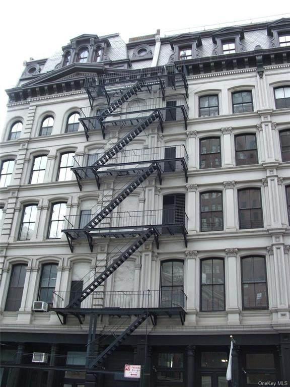 17 White Street - Photo 1