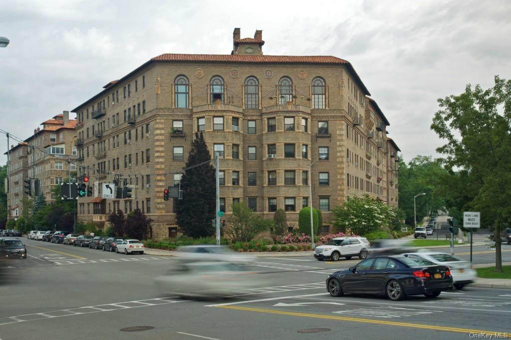 14 Chatsworth Avenue - Photo 1