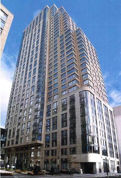 10 City Place Ph3h, White Plains, NY 10601 (MLS #H6141722) :: Goldstar Premier Properties
