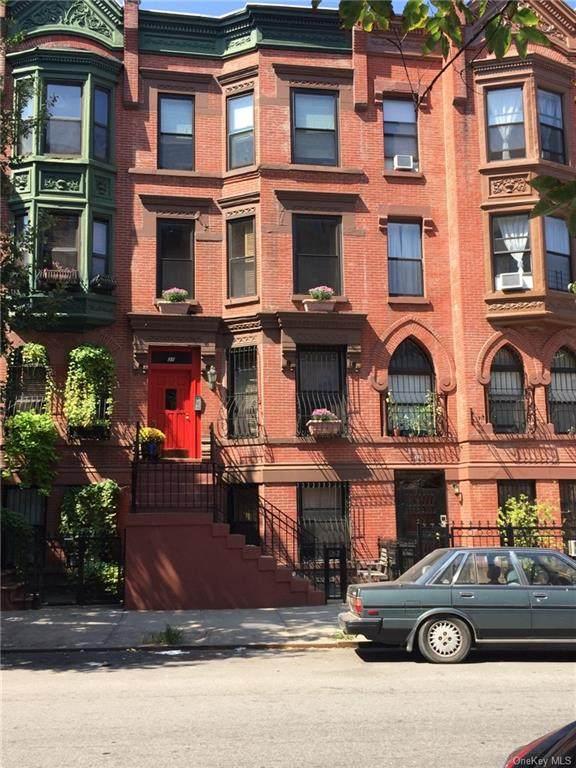 31 Bradhurst Avenue - Photo 1