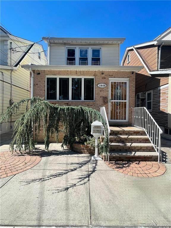 13528 94th Street, Ozone Park, NY 11417 (MLS #H6143988) :: Cronin & Company Real Estate