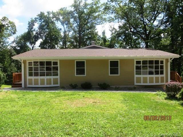 318 Maple Avenue, New Windsor, NY 12553 (MLS #H6145054) :: Goldstar Premier Properties