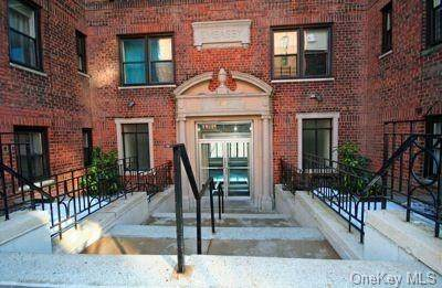 50 Park Terrace East 4B, New York, NY 10034 (MLS #H6149868) :: Frank Schiavone with Douglas Elliman